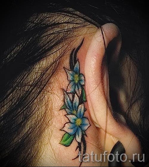 тату цветок за ухом 3