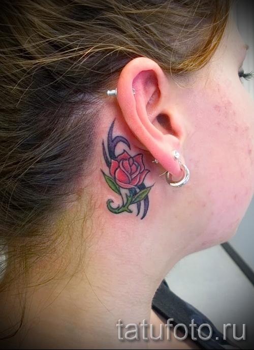 тату цветок за ухом 4