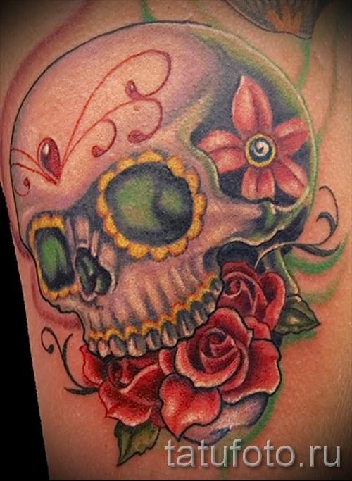 тату череп с цветами - фото вариант от 21122015 № 8