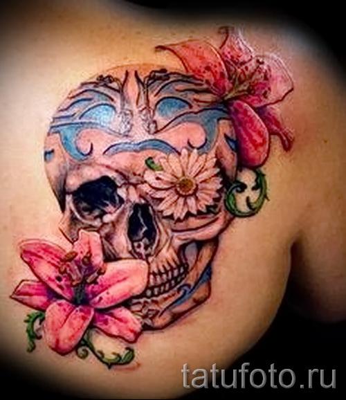 тату череп с цветами - фото вариант от 21122015 №3