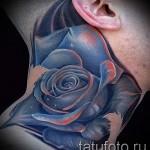 Rose Tattoo am Hals - eine Variante der Bildnummer 15122015 2