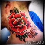 Rose Tattoo am Hals - eine Variante der Bildnummer 15122015 3