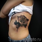 Rose Tattoo auf den Rippen - Picture-Option aus dem Nummer 15122015 1