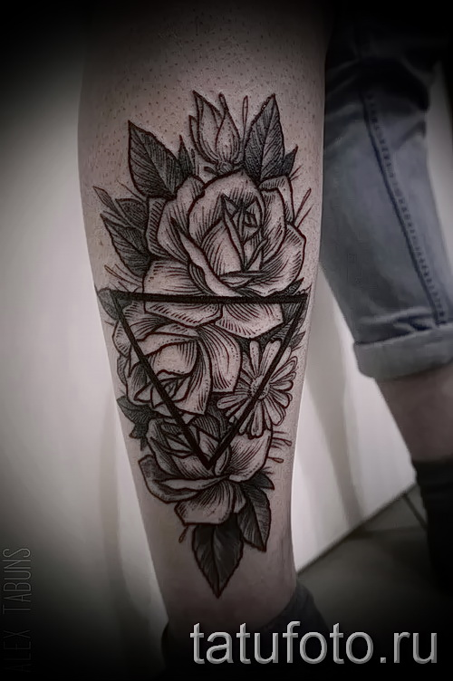 Rose Tattoo in the triangle - a variant of the picture number 15122015 1