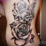 Rose Tattoo sur le côté - une photo de l'option numéro 15122015 1