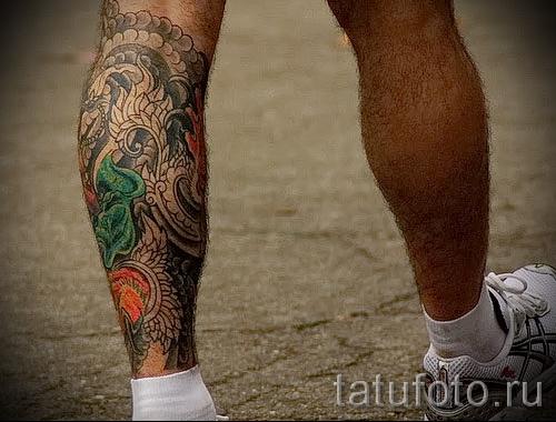 Tattoo auf der Wade für Männer - Foto Beispiel für die Zahl 20122015 2