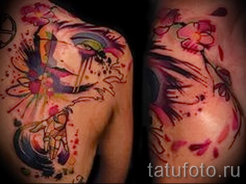 abstract tattoo on his back - a photo example of the number 21122015 1