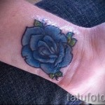 rose tattoo on her wrist - a variant of the picture number 15122015 4