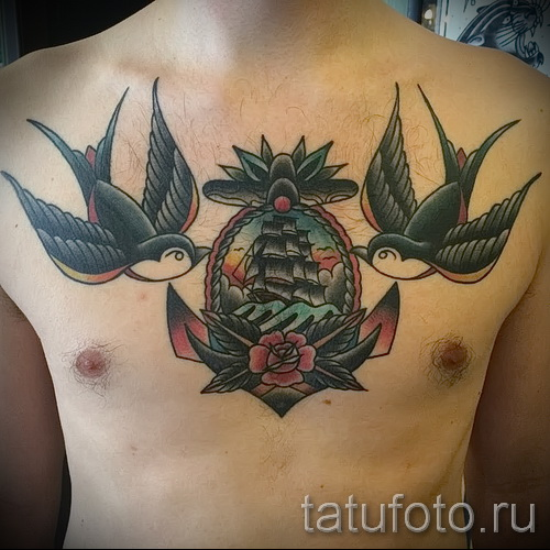 swallow tattoo on his chest - an example of the photo 3