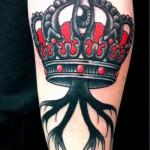 tatouage de couronne avec la lettre - une photo du tatouage fini - 20122015 Numéro 1