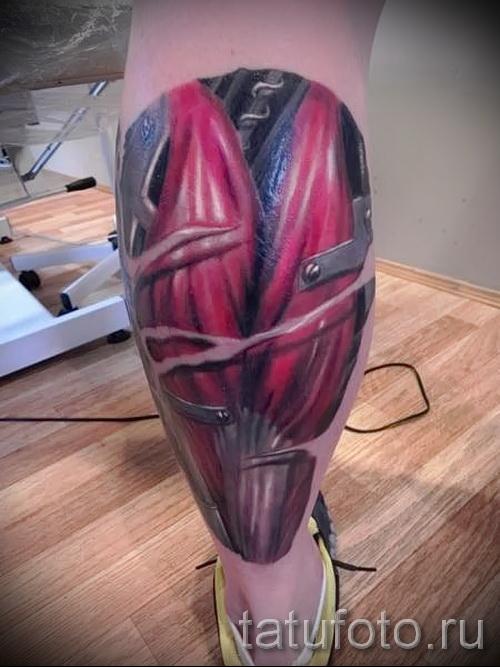tatouage sur la biomécanique du mollet - photo par exemple du nombre 20122015 1