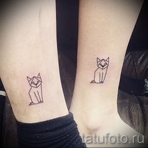 tattoo on her ankle cat photo 5