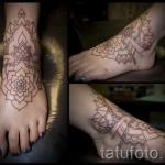 tattoo on the foot at the ankle - an example in the photo 1