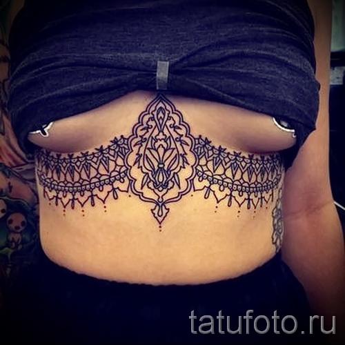 тату под грудиной у девушки - примеры татуировок на фотографии от 16012016 5