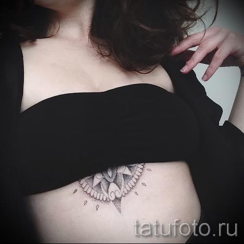 тату под грудиной фото - примеры татуировок на фотографии от 16012016 17