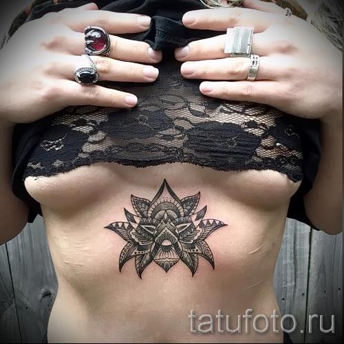 тату под грудиной фото - примеры татуировок на фотографии от 16012016 36