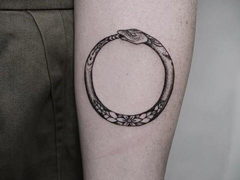 тату уроброс - фото готовой татуировки от 09012016 4