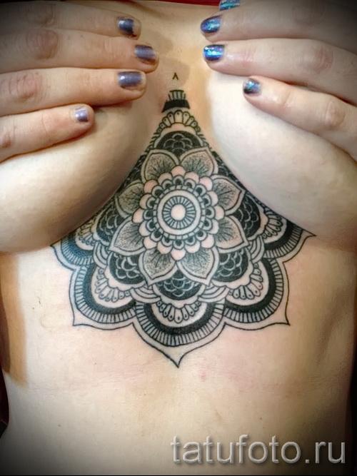 тату под грудиной у девушки - примеры татуировок на фотографии от 16012016 18