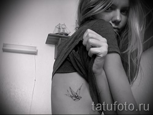 тату ласточка на ребрах - фотография с примером татуировки от 03022016 1