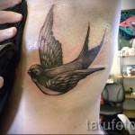 тату ласточка на ребрах - фотография с примером татуировки от 03022016 2