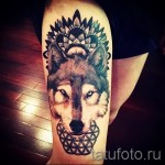 тату на бедре волк 1