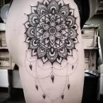 тату на бедре мандала - примеры готовых тату в фотографиях 01022016 1