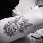 тату пионы на бедре - примеры готовых тату в фотографиях 01022016 7