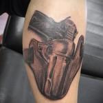 тату пистолет на бедре - примеры готовых тату в фотографиях 01022016 3
