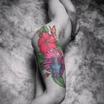 тату цветы на бедре - примеры готовых тату в фотографиях 01022016 - 010