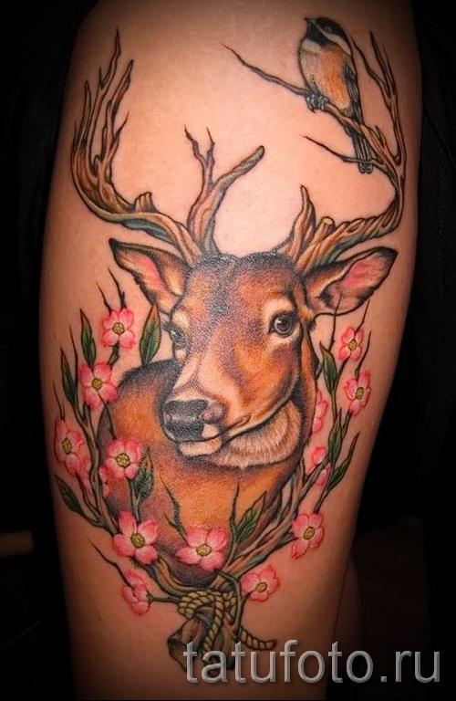 татуировка на бедре олень 2