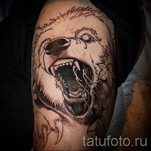 тату на бедре медведь 2
