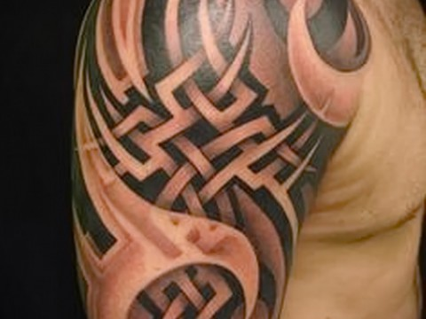 Celtic tattoo pattern on the shoulder - an example of a photo to select from 28022016 2