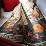 Japanese girls tattoo on his thigh 2