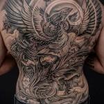 Phoenix Tätowierung auf seinem Rücken - ein Foto des fertigen Tätowierung 11022016 3