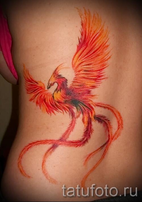 Phoenix Tätowierung auf seiner Hüfte - ein Foto des fertigen Tätowierung 11022016 1
