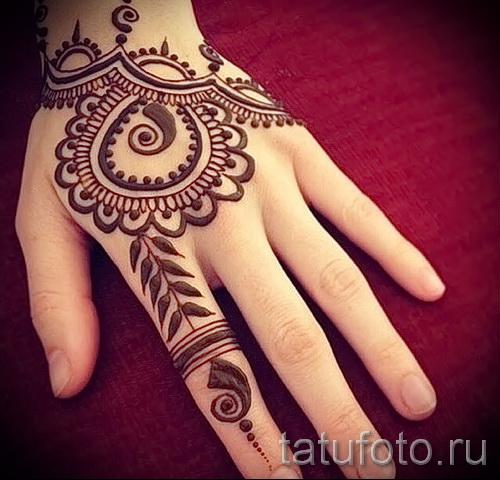 Tattoo-Designs auf der Hand für die Mädchen - Foto Beispiel für die Auswahl von 28022016 3