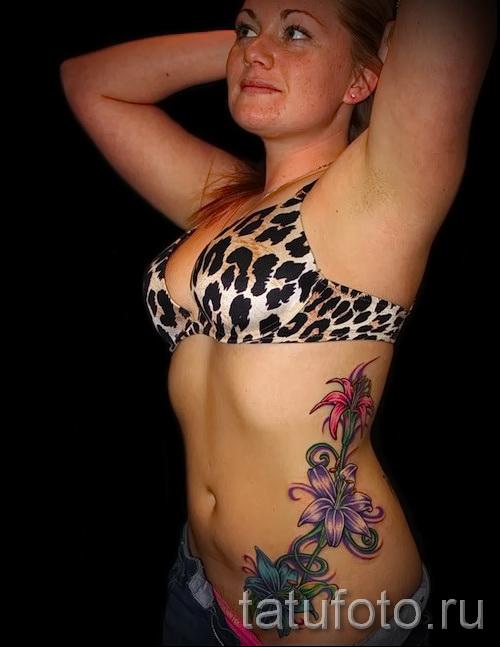 les femmes de tatouage sur les bords - par exemple Photo d'un tatouage sur 03022016 1