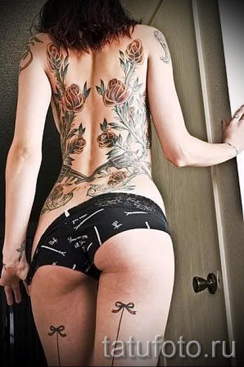 Узоры на фото женской тату на спину