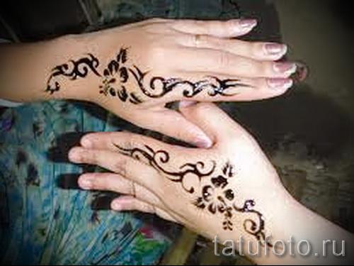 motifs de tatouage sur sa main - un modèle de photo pour la sélection de 28022016 1