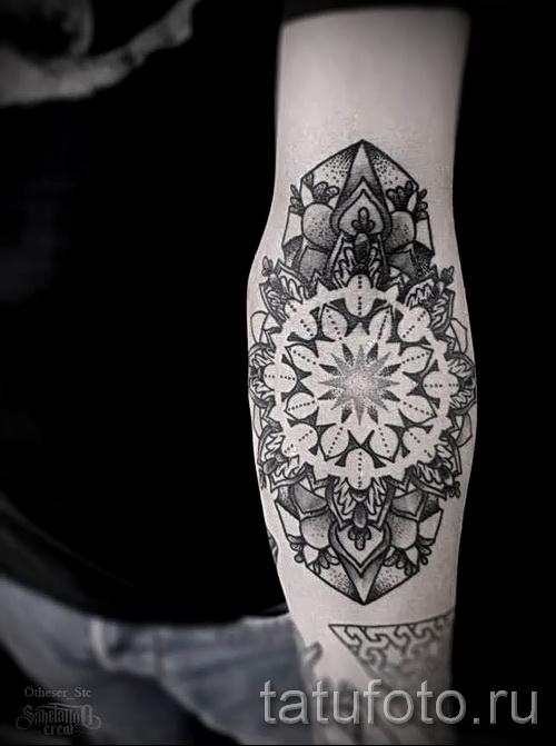 motifs noirs pour les tatouages - exemple photo pour la sélection de 28022016 4