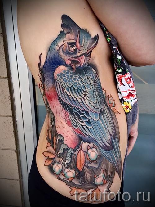 owl Tattoo auf den Rippen - ein Foto mit einer Tätowierung auf dem Beispiel 03022016 2