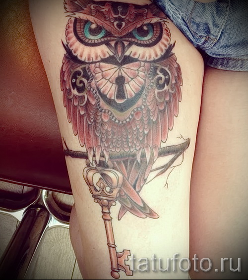 owl tattoo on his thigh 2