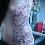 tatouage sur les bords de fleurs - par exemple Photo d'un tatouage sur 03022016 3