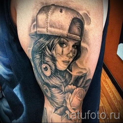 tattoo on her hip Chicano 1