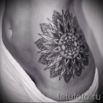 tattoo on her hip mandala 1