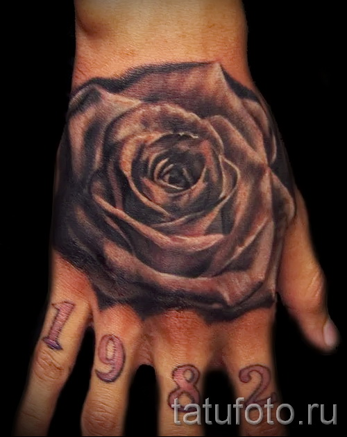 Rose tattoo on the hand - photographs and examples of 01032016 2