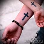 tatouage croix sur la main - photographies et des exemples de 01032016 1
