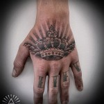 tattoo on the hand crown - pictures and examples of 01032016 1