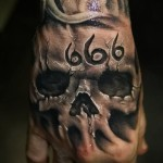 tattoo skull on hand - Photos and examples of 01032016 1