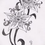 Татуировки буквы на запястье фото
